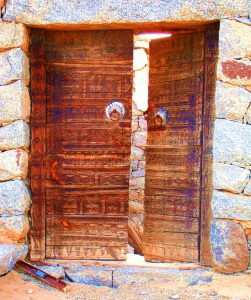 carved door beljurushi baha saudi arabia