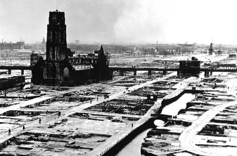 Rotterdam bombed 1940