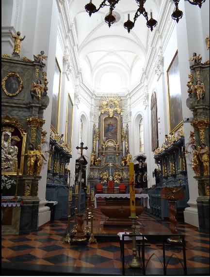 lowicz church interior