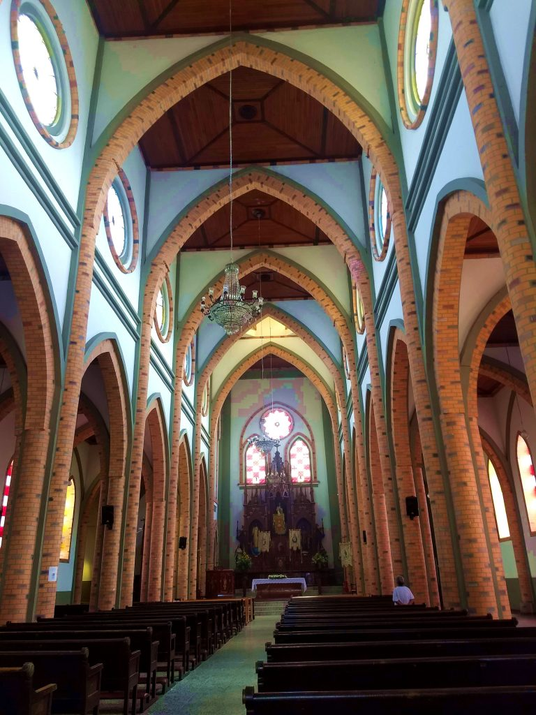 Marsella church interior